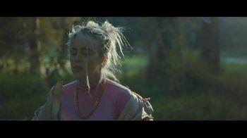 Apple Music TV Spot, 'Billie Eilish: Ocean Eyes' - Thumbnail 6