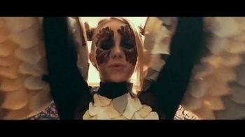 Apple Music TV Spot, 'Billie Eilish: Ocean Eyes' - Thumbnail 8