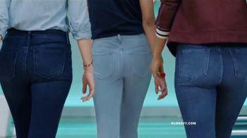 Old Navy Jeans TV Spot, 'Los mejores jeans de la partida' [Spanish] - Thumbnail 2