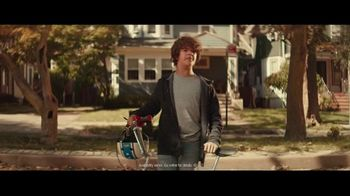 Fios Gigabit Connection TV Spot, 'Good Neighbor' Featuring Gaten Matarazzo - Thumbnail 3