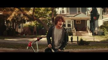 Fios Gigabit Connection TV Spot, 'Good Neighbor' Featuring Gaten Matarazzo - Thumbnail 7