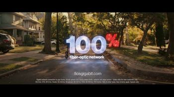 Fios Gigabit Connection TV Spot, 'Good Neighbor' Featuring Gaten Matarazzo - Thumbnail 9