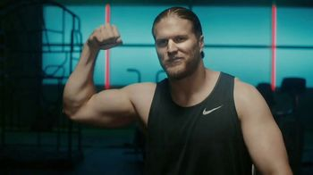 Jack Link's TV Spot, 'The Edge: MUSCLES' Featuring Clay Matthews - Thumbnail 10