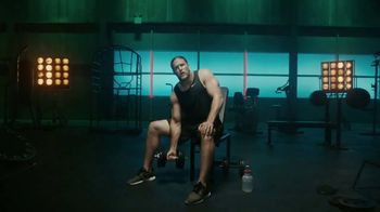 Jack Link's TV Spot, 'The Edge: MUSCLES' Featuring Clay Matthews - Thumbnail 2