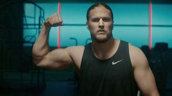 Jack Link's TV Spot, 'The Edge: MUSCLES' Featuring Clay Matthews - Thumbnail 8