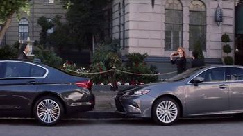 2017 Kia Cadenza TV Spot, 'Impossible to Ignore' Feat. Christina Hendricks [T1] - Thumbnail 4