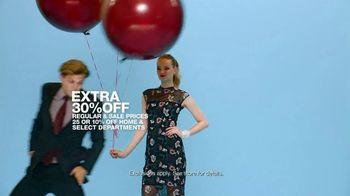 Macy's V.I.P. Sale TV Spot, 'Balloons' - Thumbnail 7