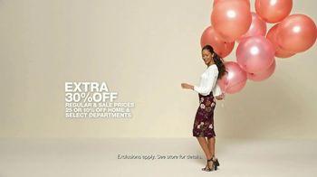 Macy's V.I.P. Sale TV Spot, 'Balloons' - Thumbnail 8