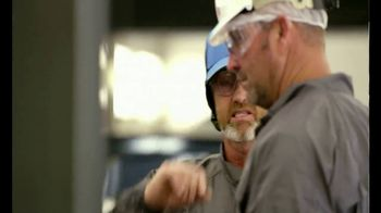 Toyota Tundra TV Spot, 'Changing Jobs' Feat. Mike Iaconelli, Gerald Swindle [T1] - Thumbnail 9