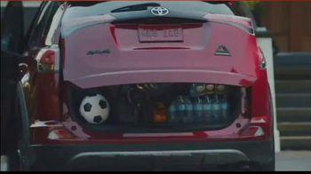 2018 Toyota RAV4 Adventure TV Spot, 'Sports Family' Song by FIDLAR [T1] - Thumbnail 2