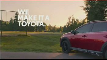 2018 Toyota RAV4 Adventure TV Spot, 'Sports Family' Song by FIDLAR - Thumbnail 7