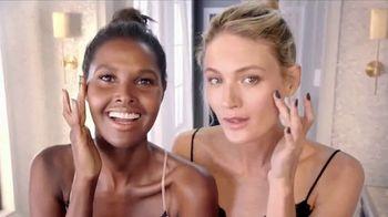 Macy's Beauty Event TV Spot, 'Beauty Buffs'