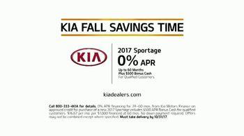 Kia Fall Savings Time TV Spot, 'Dog Walkers: 2017 Sportage' [T2] - Thumbnail 7