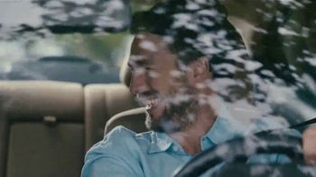 Glade PlugIns Car TV Spot, 'Aventura' [Spanish] - Thumbnail 6