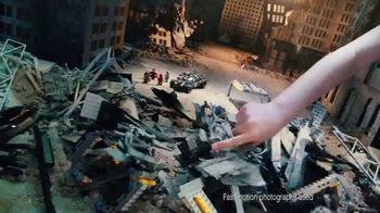 LEGO DC Comics Super Heroes TV Spot, 'Flying Fox' - Thumbnail 3