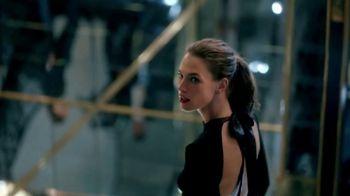 Yves Saint Laurent Mon Paris TV Spot, 'Love' Song by Lee-la Baum - Thumbnail 5