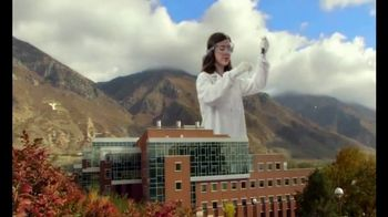 Brigham Young University TV Spot, 'Inspiring Learning' - Thumbnail 6