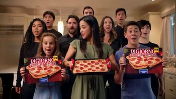 DiGiorno Crispy Pan Pizza TV Spot, 'PAN PAN PAN PAN' [Spanish]