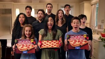 DiGiorno Crispy Pan Pizza TV Spot, 'PAN PAN PAN PAN' [Spanish] - Thumbnail 9