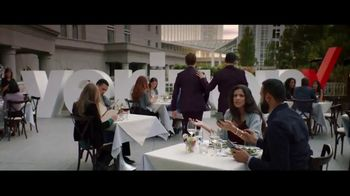 Verizon Unlimited TV Spot, 'Date Interrupted' [Spanish] - Thumbnail 9
