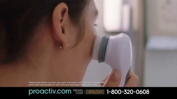 Proactiv Dual-Speed Deep Cleansing Brush TV Spot, 'Extra Clean' - Thumbnail 9