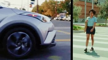 Toyota C-HR TV Spot, 'Comedy Central: Street Comedy' Feat. Clayton English - Thumbnail 5
