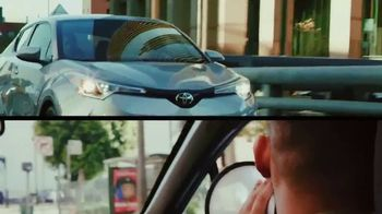 Toyota C-HR TV Spot, 'Comedy Central: Street Comedy' Feat. Clayton English - Thumbnail 6