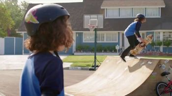 Total Wireless TV Spot, 'The Mitchells Win With 4 Lines: Samsung S8' - Thumbnail 1