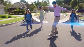 Total Wireless TV Spot, 'The Mitchells Win With 4 Lines: Samsung S8' - Thumbnail 8