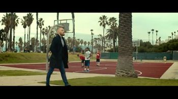 Budweiser TV Spot, 'Dream Big' Featuring Conor McGregor - Thumbnail 5