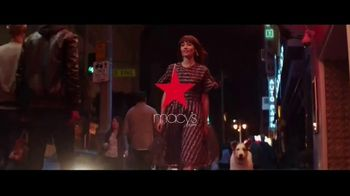Macy's Friends + Family Event TV Spot, 'Beauty Purchase' - Thumbnail 8