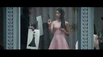 Macy's Friends + Family Event TV Spot, 'Beauty Purchase' - Thumbnail 2