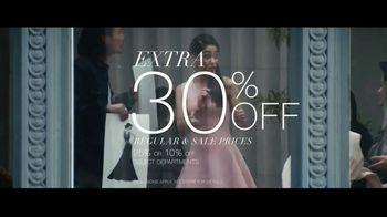 Macy's Friends + Family Event TV Spot, 'Beauty Purchase' - Thumbnail 3