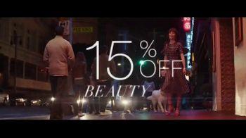 Macy's Friends + Family Event TV Spot, 'Beauty Purchase' - Thumbnail 7
