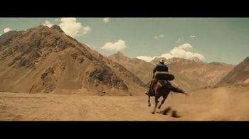 Coors Banquet TV Spot, 'Carry the West: Go Your Own Way SL' [Spanish] - Thumbnail 1