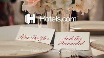 Hotels.com TV Spot, 'Dancers! Goats! Pugs!' - Thumbnail 10