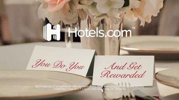 Hotels.com TV Spot, 'Dancers! Goats! Pugs!' - Thumbnail 9