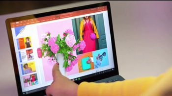 Microsoft Surface TV Spot, 'Courtney Quinn: creando contenido' [Spanish] - Thumbnail 3