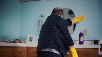 Pine-Sol TV Spot, 'Baño' canción de Martin Solveig & GTA [Spanish] - Thumbnail 9