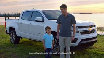 2018 Chevrolet Equinox TV Spot, 'Switch to a New Chevy' - Thumbnail 5