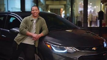 2018 Chevrolet Equinox TV Spot, 'Switch to a New Chevy' - Thumbnail 6