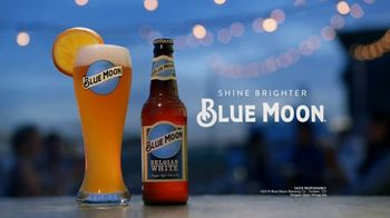 Blue Moon TV Spot, 'Rise Up: Bottle EL' Song by The Quantic Soul Orchestra - Thumbnail 9