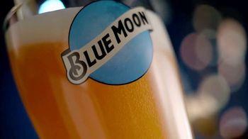 Blue Moon TV Spot, 'Rise Up: Bottle EL' Song by The Quantic Soul Orchestra - Thumbnail 4