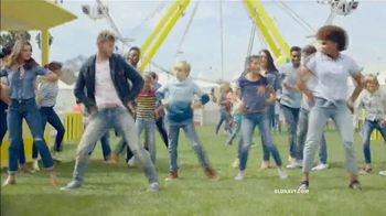 Old Navy TV Spot, 'Denim for the Whole Fam: 40 Percent Off' - Thumbnail 6