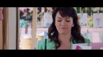 Verizon TV Spot, 'Mother's Day: Card' Featuring Thomas Middleditch - Thumbnail 3