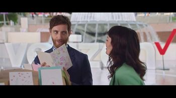 Verizon TV Spot, '2018 Mother's Day: Card' Featuring Thomas Middleditch
