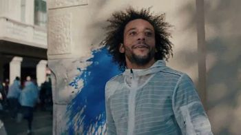 Pepsi TV Spot, 'Paint the World Blue' con Lionel Messi [Spanish] - Thumbnail 3