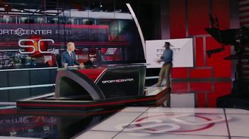 Degree TV Spot, 'ESPN: The World's Driest Intern' Featuring Kenny Mayne - Thumbnail 7