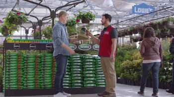 Lowe's TV Spot, 'Lawn Care Moment: Roundup Refill' - Thumbnail 6