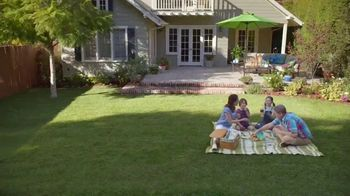 Lowe's TV Spot, 'Lawn Care Moment: Roundup Refill' - Thumbnail 9